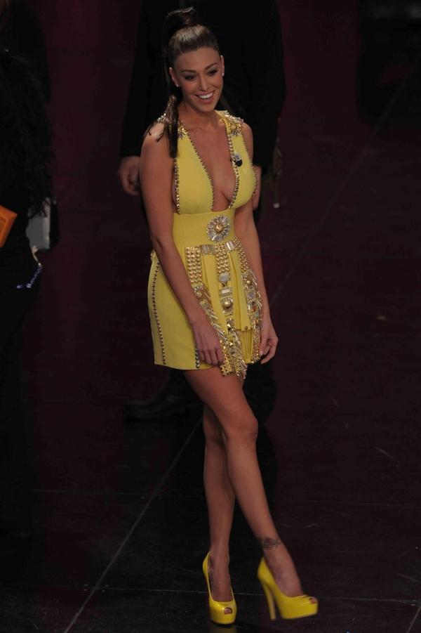 Belen Rodriguez in Fausto Puglisi a Sanremo 2011  vi è piaciuta ... 88fc56b8b99